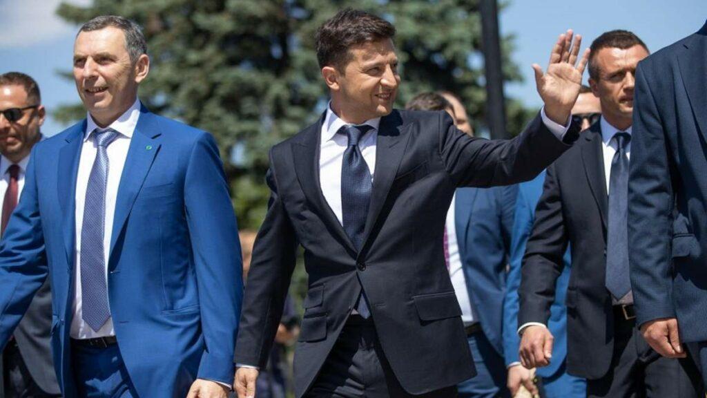 Zelenszkij pártja nagy fölénnyel győzött az ukrán választásokon