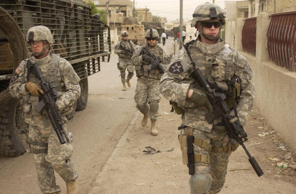 Irakba telepítik az Észak-Szíriából kivont katonákat