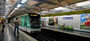 Párizs: Meghallották, hogy héberül beszél, eszméletlenre verték