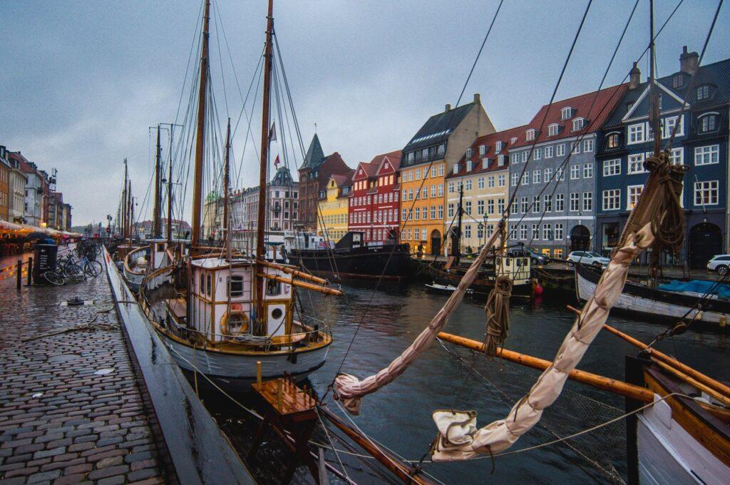 Riport: A Moszad segített Dániának meghiúsítani egy sor terrortámadást