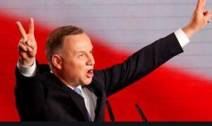 Lengyel elnökválasztás: Andrzej Duda gyűlöletkampánnyal győzött